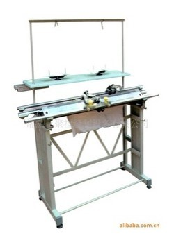 HAND DRIVEN FLAT KNITTING MACHINE WITH FRAME